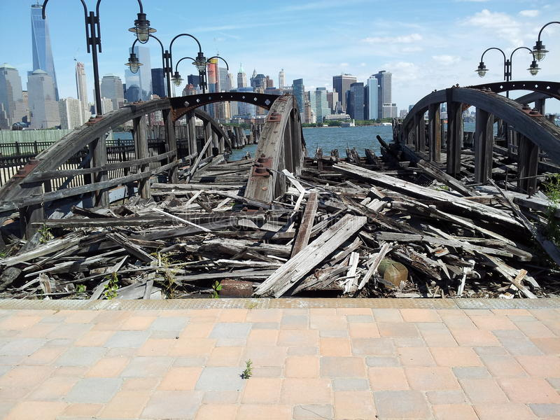 Deslizamentos velhos da balsa, Liberty State Park imagem de stock royalty free