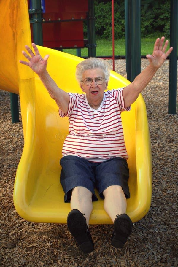 Deslizando a avó 4 imagem de stock