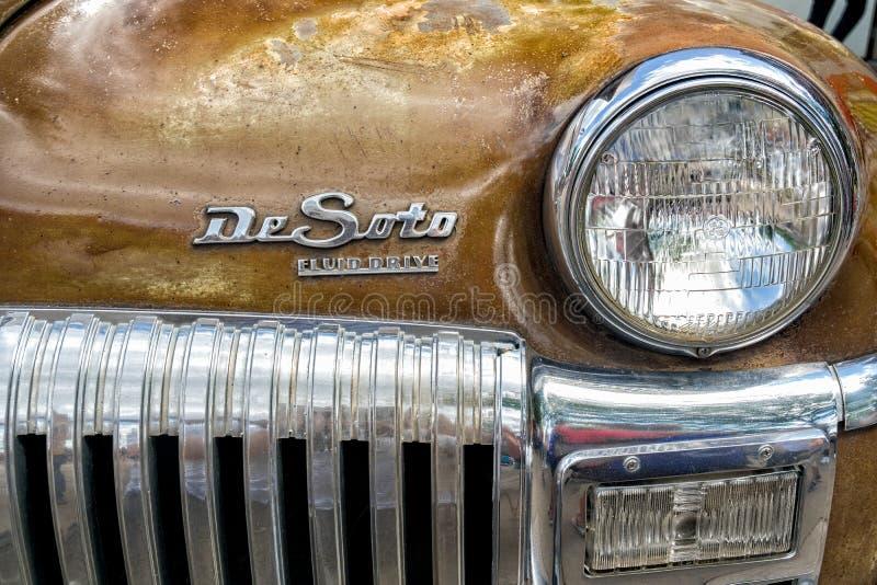 DeSoto-Automobil-Scheinwerfer und Grill stockbilder