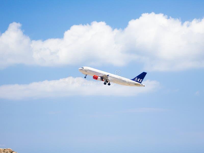 Despegue escandinavo 2 de las líneas aéreas fotos de archivo libres de regalías