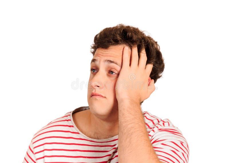 Desperat skriande man med handen i hår emotionell man som isoleras på vit bakgrund arkivbilder