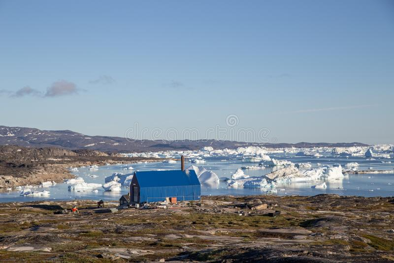Desperdice o incinerador em Rodebay, Gronelândia fotografia de stock royalty free
