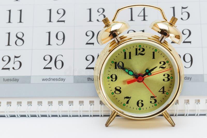 Despertador e calendário imagens de stock royalty free