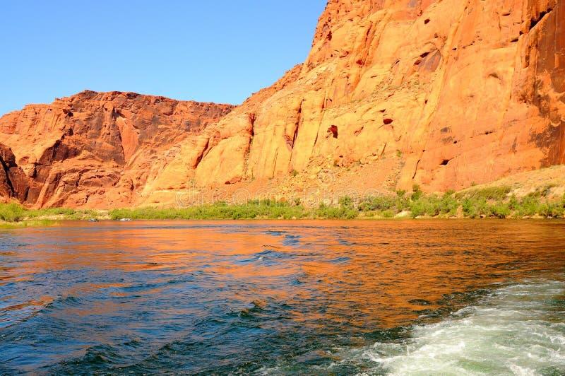 Desporto de barco no rio de Colorado imagem de stock