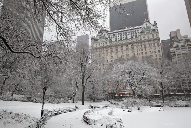 Después de tormenta de la nieve en New York City foto de archivo