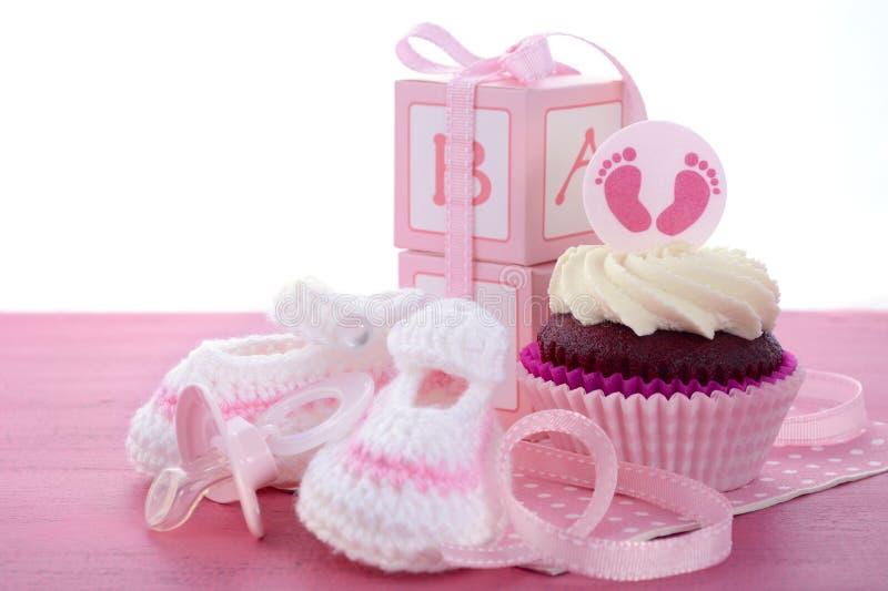 Dess muffin för en flickababy shower royaltyfri fotografi