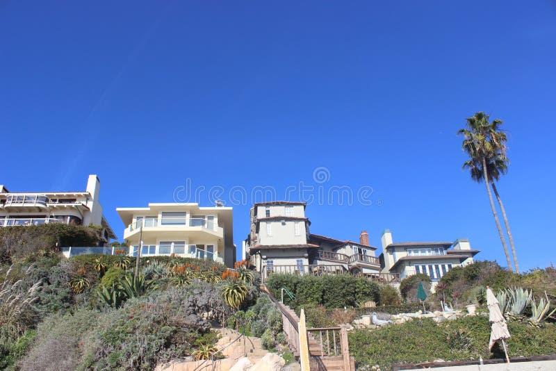 Dessa hus vid sjösidan är fantastiska! royaltyfri foto
