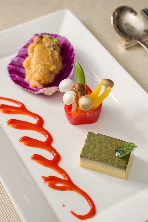 Download Dessert fotografia stock. Immagine di caloria, inceppamento - 30830060