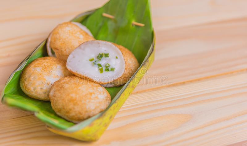 Dessert arrostito dolce e saporito dei Hotcakes del Noce di cocco-riso immagini stock libere da diritti