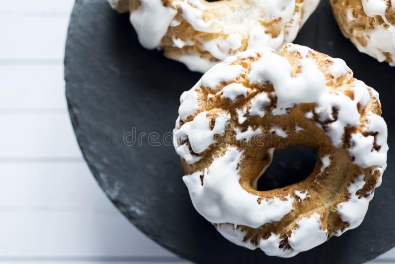 Dessert casalingo spagnolo delle guarnizioni di gomma piuma dello zucchero fotografia stock