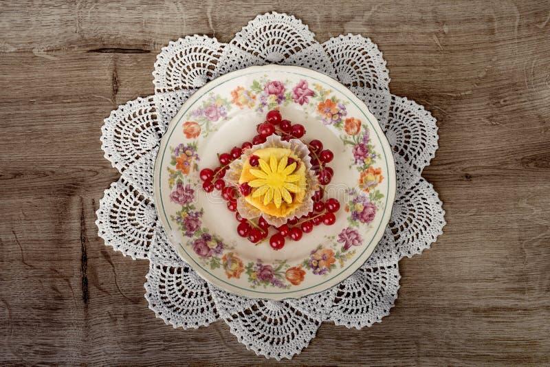 Dessert de fantaisie de fruit photo libre de droits
