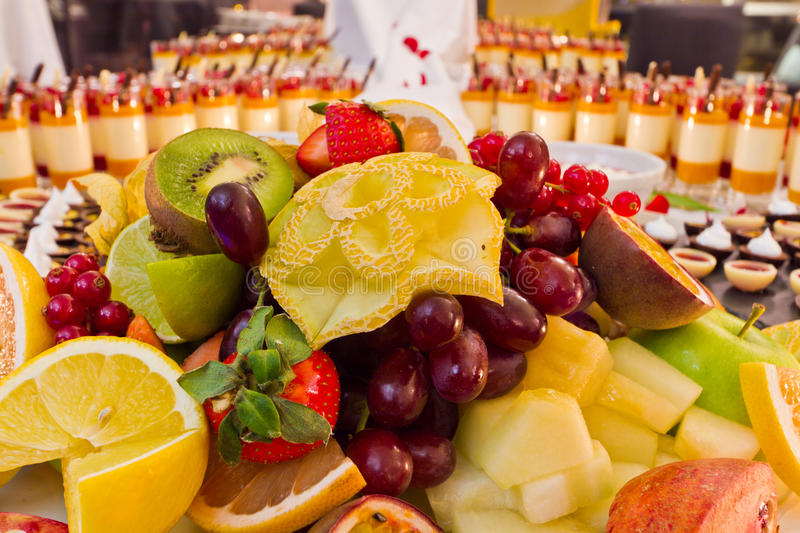 Dessert de fruit de buffet photographie stock libre de droits