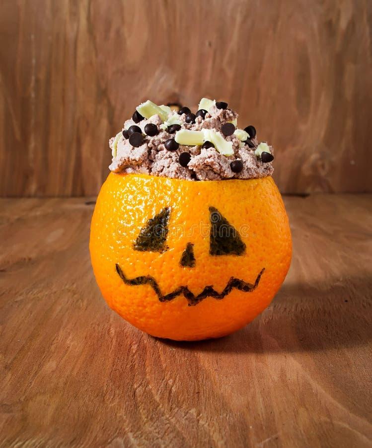 dessert de halloween pour la partie des enfants image stock image du nourriture saison 43168779. Black Bedroom Furniture Sets. Home Design Ideas