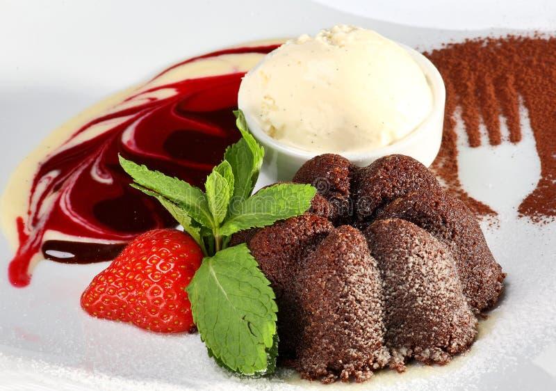 Dessert del cioccolato con il gelato fotografia stock