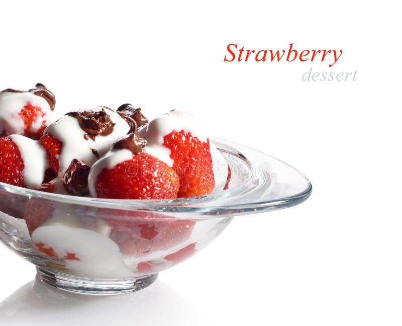 Dessert della fragola con cioccolato immagini stock
