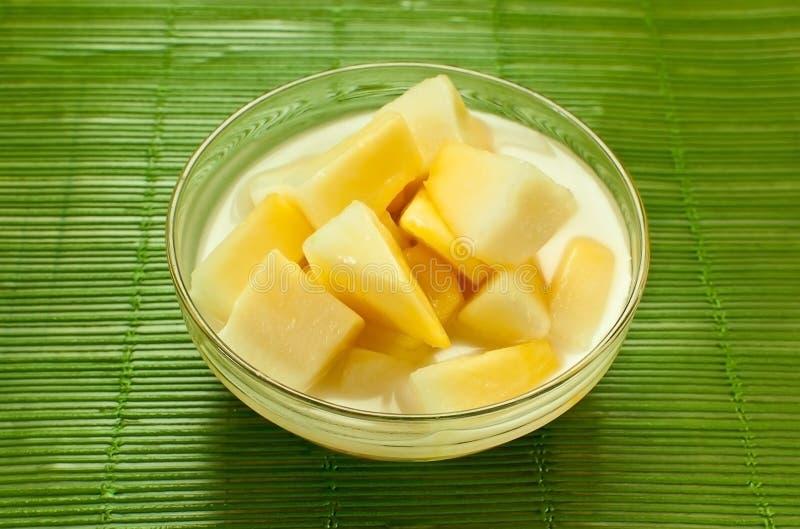 Dessert della Tailandia sul verde del piatto immagini stock libere da diritti