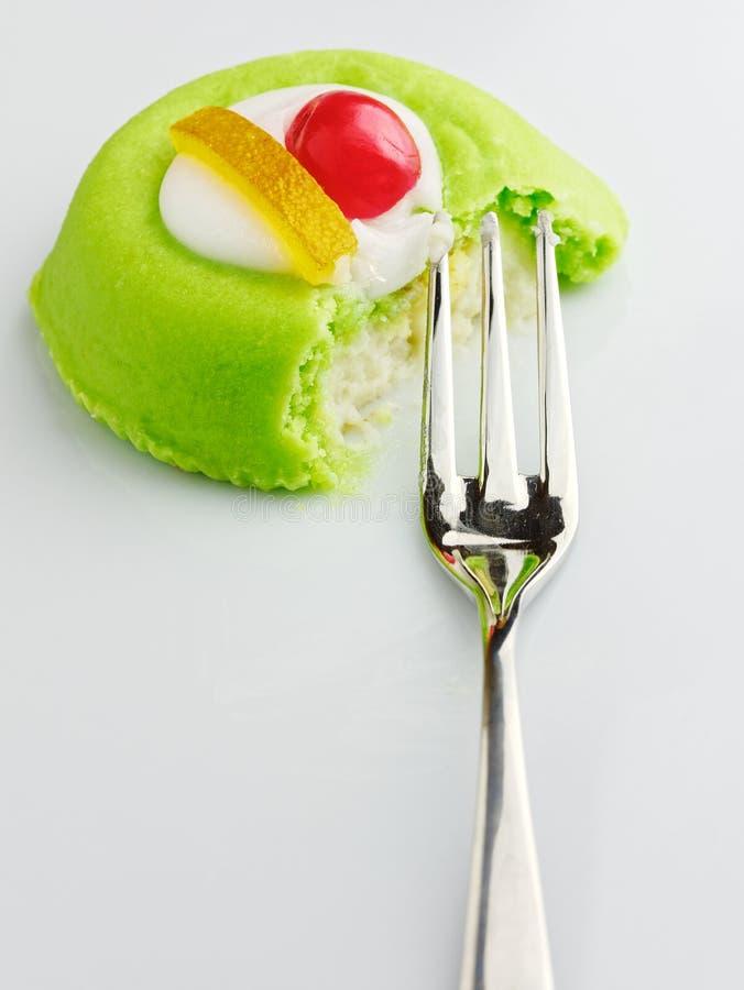 Dessert dolce dell'italiano della pasticceria di siciliana di cassata della forcella fotografie stock