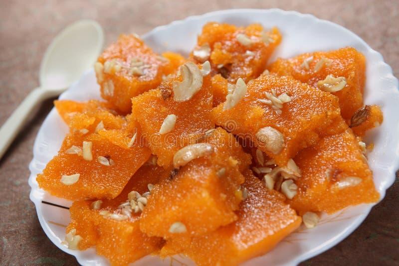 Dessert doux de semoule, Sooji Halwa photos stock