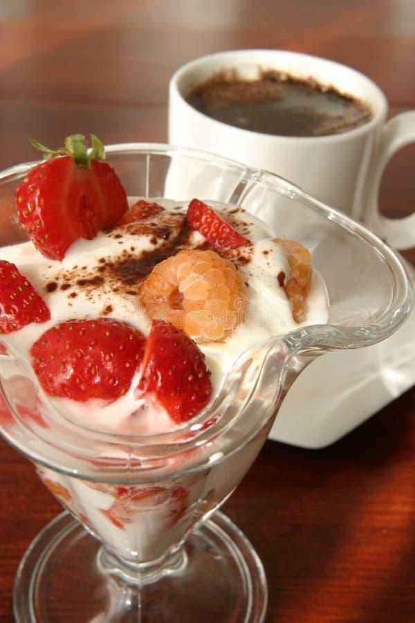 Dessert e caffè del yogurt immagini stock libere da diritti