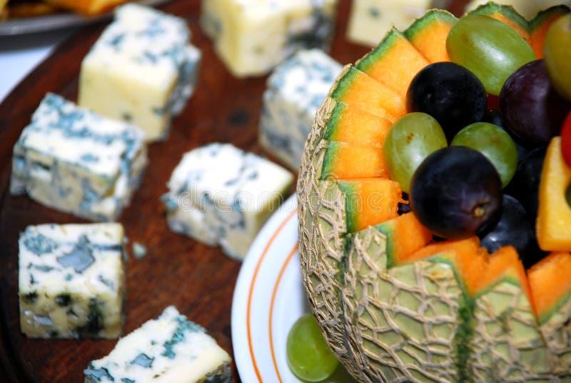 Dessert e carne della frutta immagine stock