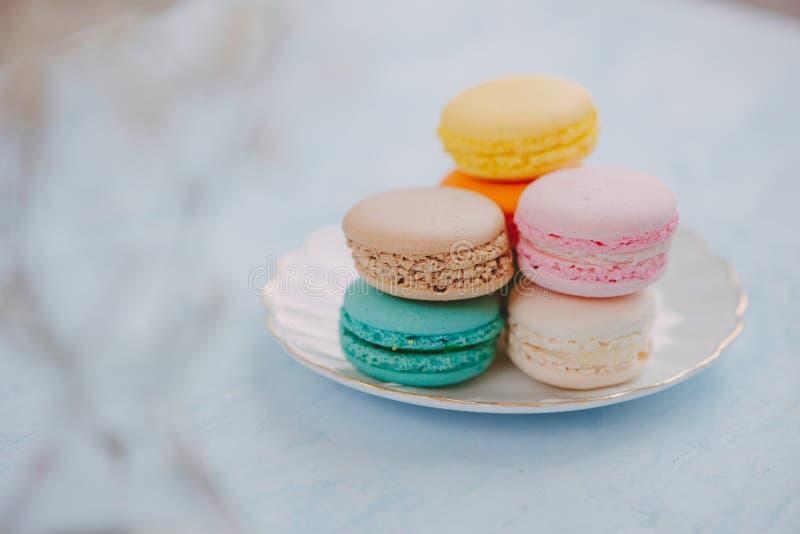 Dessert francese delizioso Macaron pastello variopinto o macaro del dolce immagine stock libera da diritti