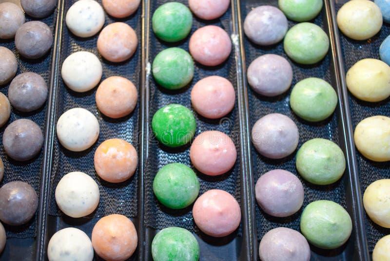 Dessert giapponese variopinto del riso del ghiaccio di Mochi immagini stock libere da diritti