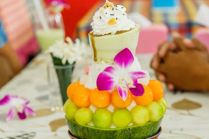 Dessert, het Roomijs van de Kantaloepmeloen of Bingsu stock afbeelding