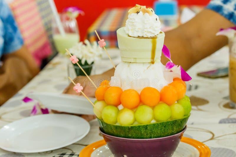 Dessert, het Roomijs van de Kantaloepmeloen of Bingsu royalty-vrije stock foto's