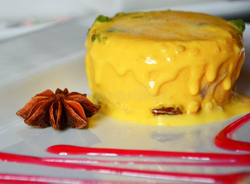 Download Dessert Indiano Delizioso Del Gelato Del Mango Fotografia Stock - Immagine di piatto, gourmet: 55365848