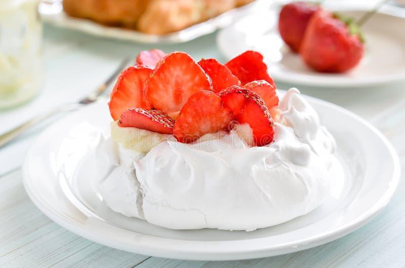 Dessert Pavlova royalty-vrije stock fotografie