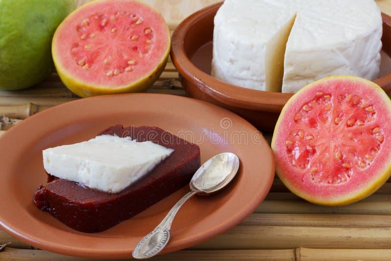 Dessert Romeo e Juliet del goiabada, formaggio del Minas fotografie stock libere da diritti