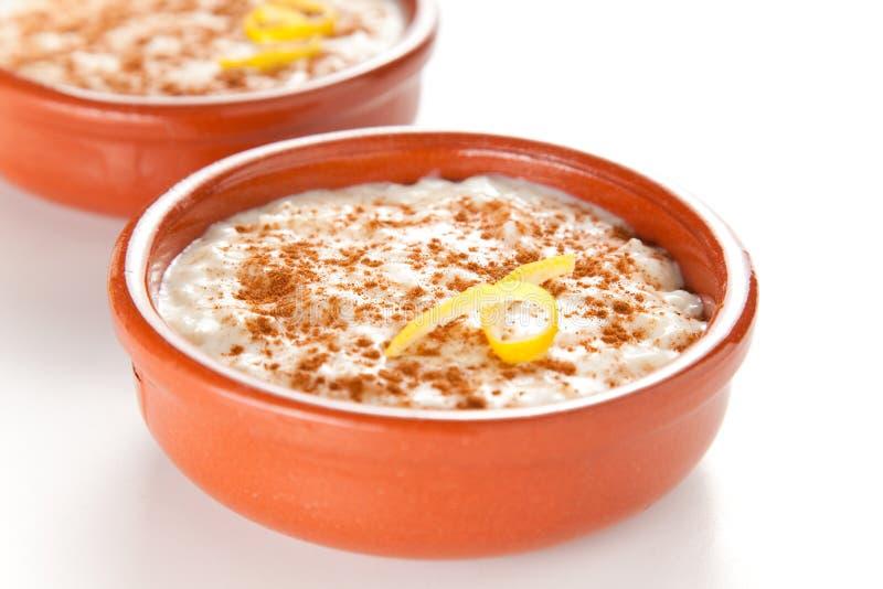 Dessert saporito del budino di riso della cannella fotografia stock libera da diritti