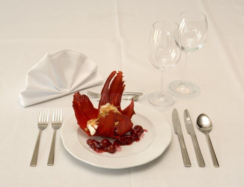 Dessert sur la table de restaurant photo stock
