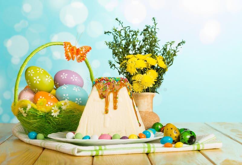 Dessert tradizionale della torta di formaggio di Pasqua, merce nel carrello delle uova di Pasqua, Florida immagine stock libera da diritti