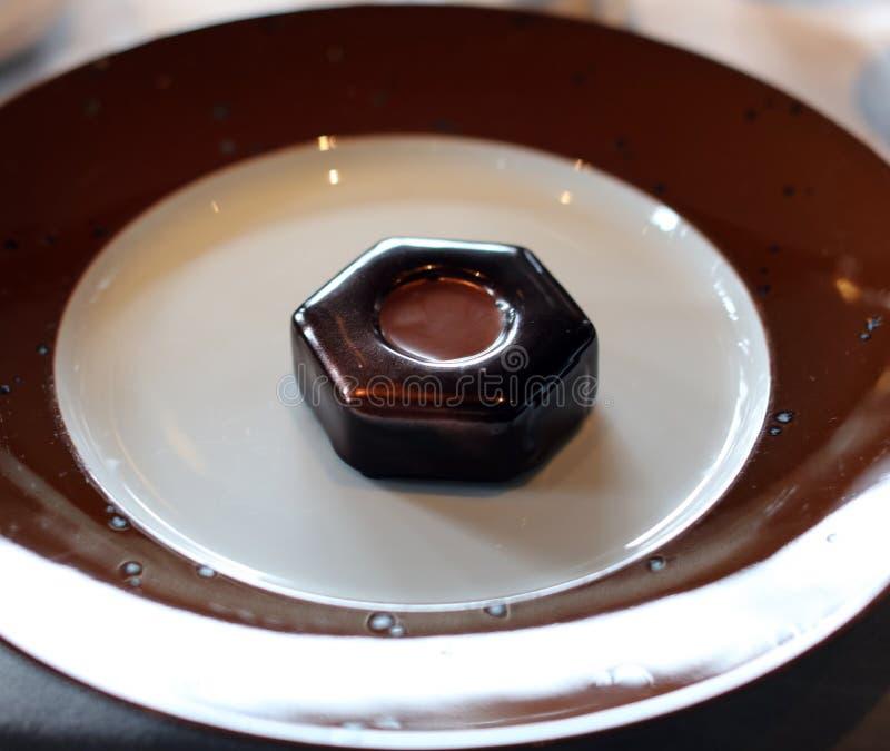 Dessert van de premie het hete chocolade met hete chocolava binnen uitstekend snoepje, de unieke keuken van de luxemaaltijd in VI stock fotografie