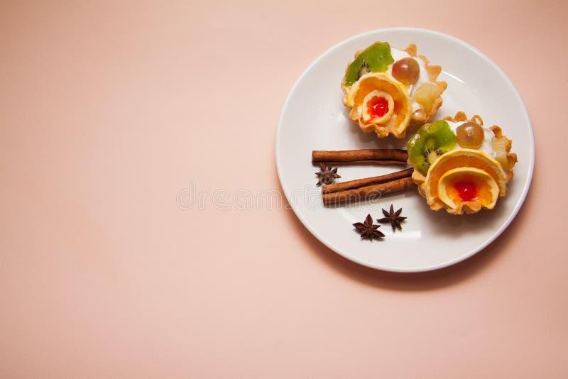Dessert van romige mufins stock foto