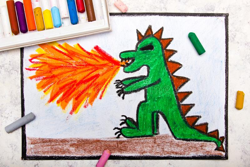 Dessin coloré de main : le feu de crachement de dragon illustration libre de droits