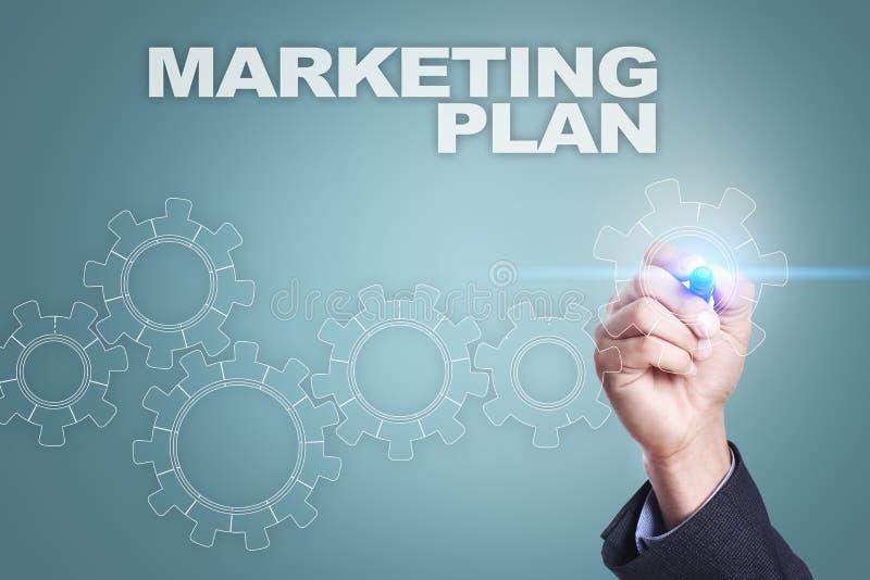 Dessin d'homme d'affaires sur l'écran virtuel Concept de plan marketing images libres de droits