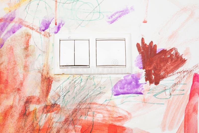 Dessin du ` s de bébé avec la couleur de crayon image libre de droits