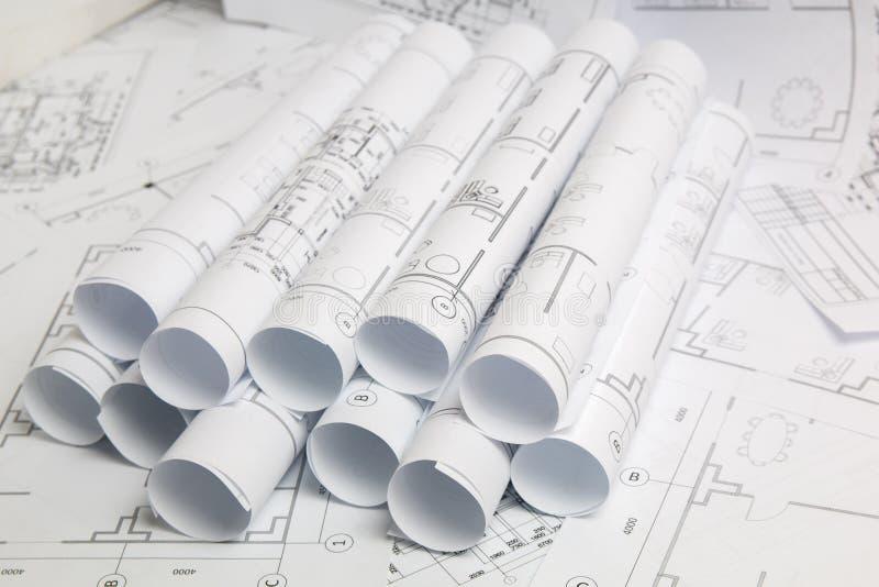 Dessins et modèle architecturaux de papier Modèle d'ingénierie images stock
