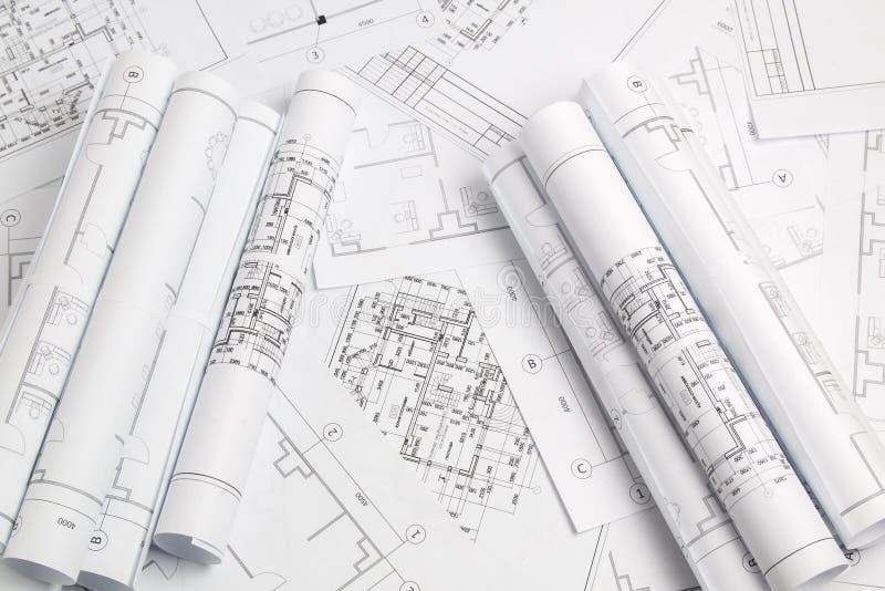 Dessins et modèle architecturaux de papier Modèle d'ingénierie photographie stock libre de droits