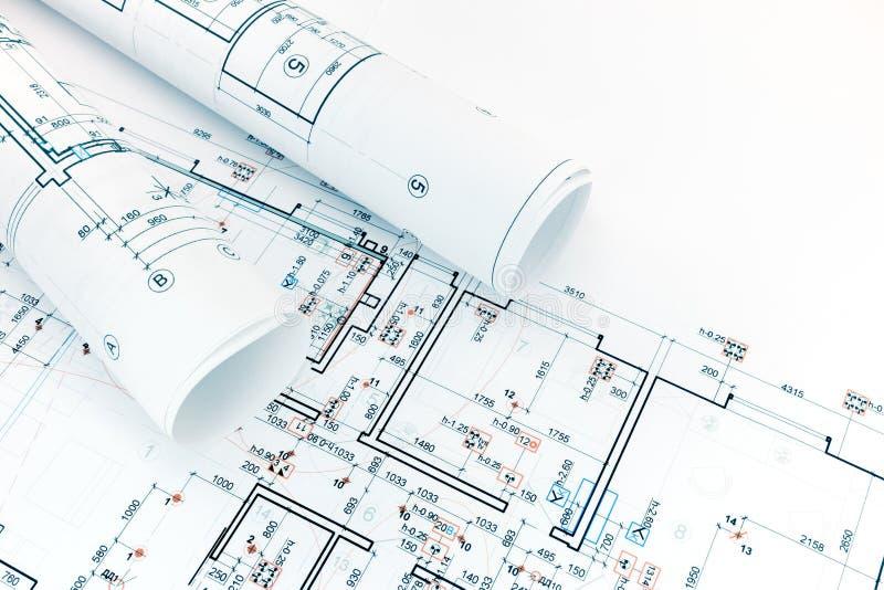 Dessins industriels techniques et, plans d'étage, rouleaux d'archit images stock