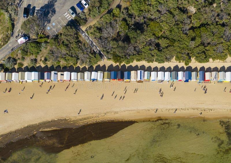 Dessus aérien en bas de vue de Brighton Bathing Boxes à Melbourne photo libre de droits