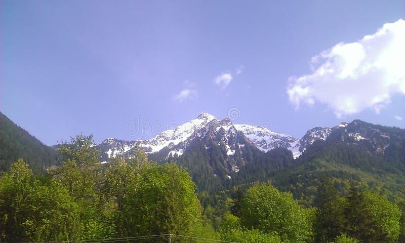 dessus couvert de neige de montagne photos libres de droits