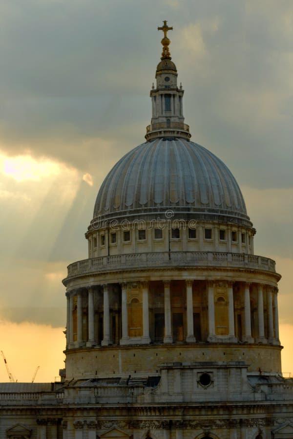 Dessus de cathédrale du ` s de St Paul photographie stock libre de droits