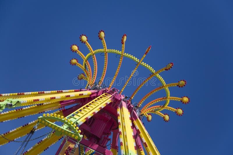 Dessus de conduite colorée de carnaval image stock
