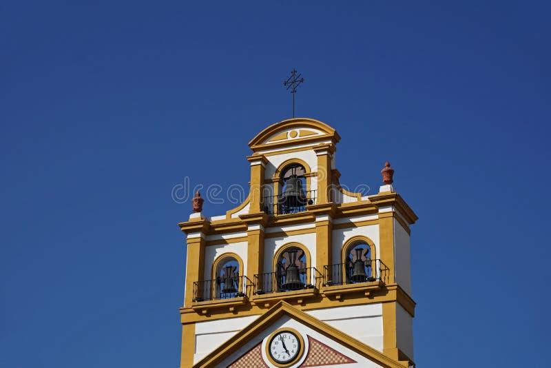Dessus de l'église dans la ville de La Linea de la Concepcion en Espagne du sud photo stock