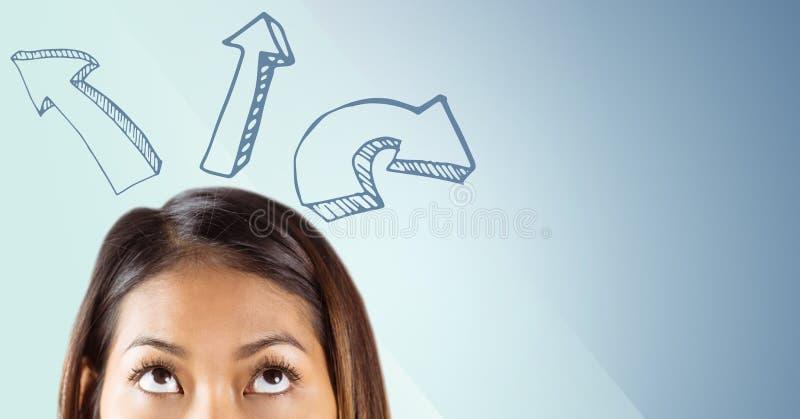 Dessus de la tête de la femme regardant les flèches ascendantes sur le fond bleu illustration libre de droits