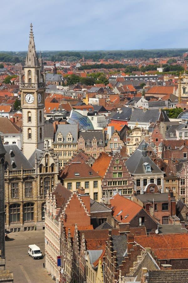 Dessus de toit colorés gand belgium photographie stock libre de droits