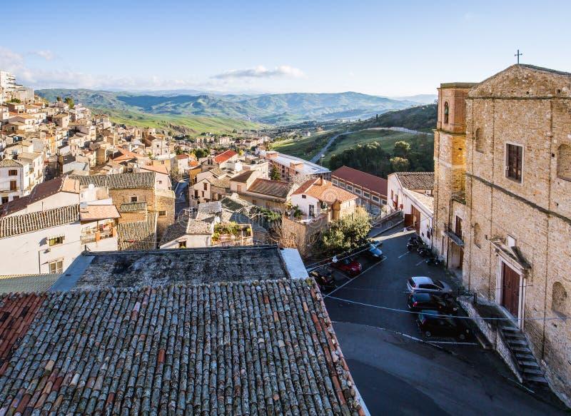 Dessus de toit de Cammarata, Sicile, Italie photographie stock libre de droits